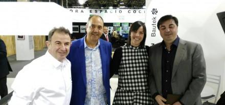 Un placer coincidir con Martín Berasategui y Joan Lloveras de TPB tech en la Feria Cevisama.