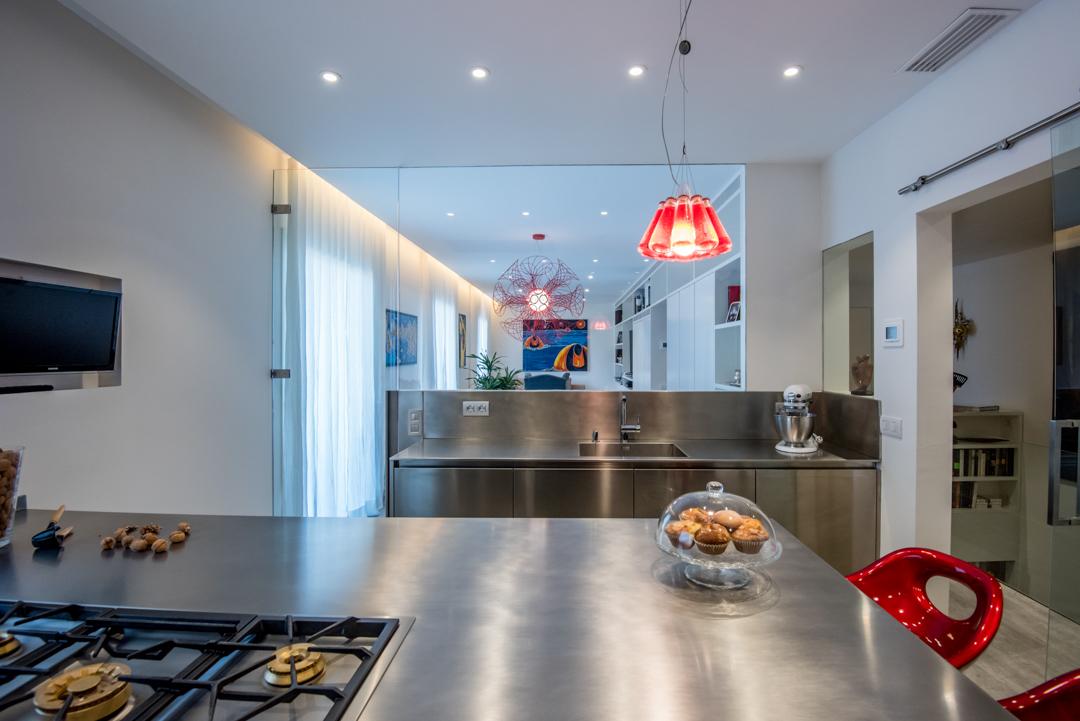 Arclinea cocinas profesionales encimeras de inox for Cocina profesional en casa