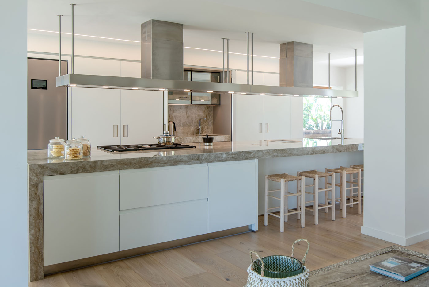 Kitchen refurbished by Overlord by Sergi Quílez i Marin